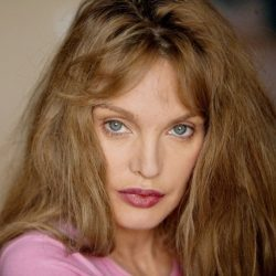 Arielle Dombasle | Zoom 89-15 | +15