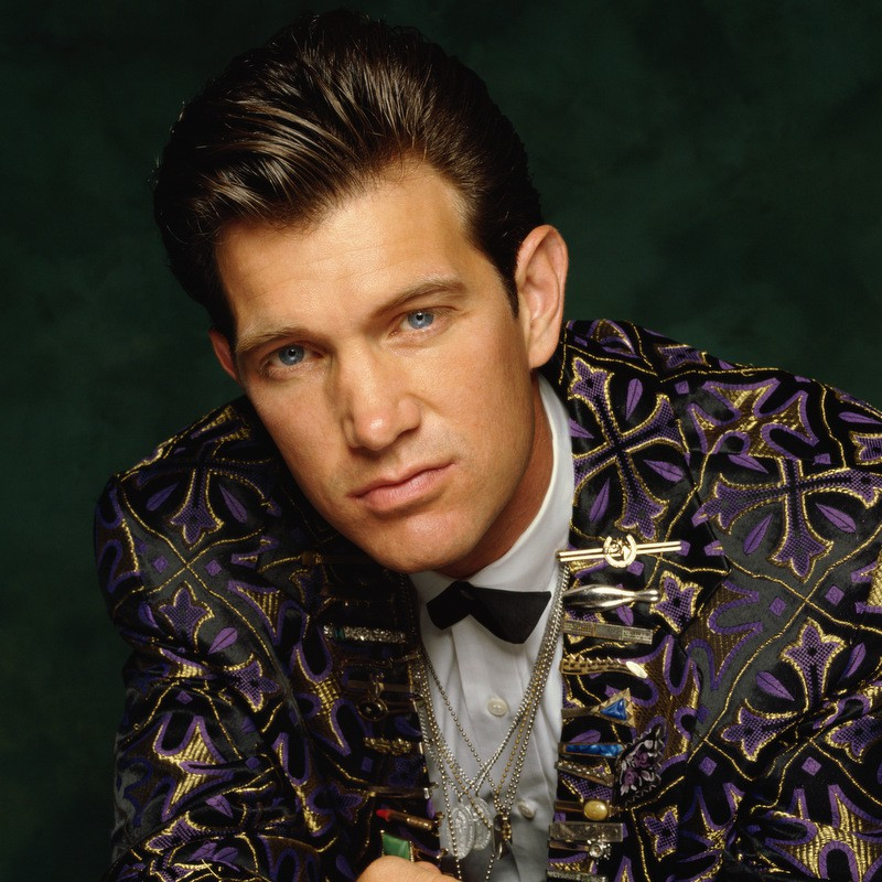 Chris Isaak | Zoom 85-09