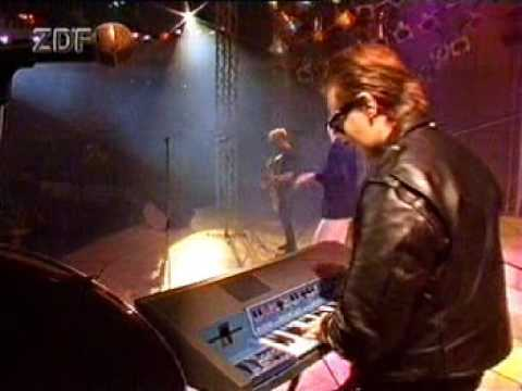 Depeche Mode – Enjoy The Silence (Peter's Pop Show 1989) – YouTube