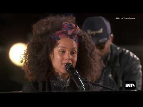 Alicia Keys Here in Times Square 2016
