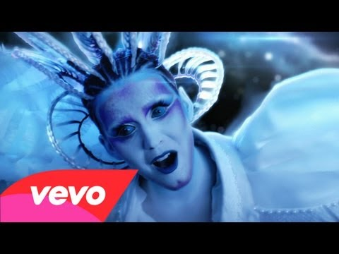 ▶ Katy Perry – E.T. ft. Kanye West – YouTube
