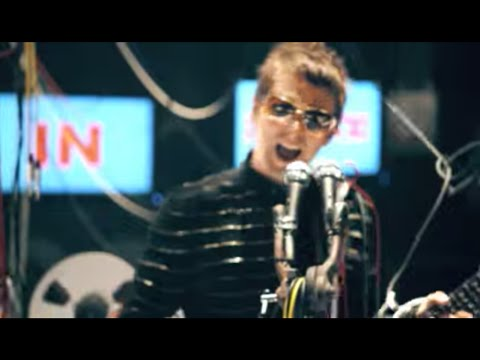 ▶ Muse – Undisclosed Desires – YouTube