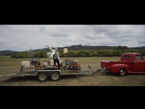 MACKLEMORE & RYAN LEWIS – CAN'T HOLD US FEAT. RAY DALTON (OFFICIAL MUSIC VIDEO) – YouTube